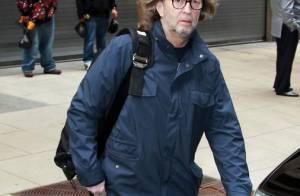 Eric Clapton troque la tenue de guitariste contre celle de papa poule !
