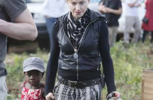 Madonna a posé une brique... Qui a dit que les stars n'étaient pas manuelles ?