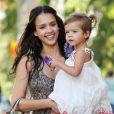 Telle mère, telle fille ! Honor, bientôt 2 ans, est une vraie petite fashionista, comme sa maman Jessica Alba.