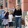 Reese Witherspoon : L'actrice oscarisée n'a d'yeux que pour ses enfants Ava et Deacon, qu'elle a eus avec son ex-mari Ryan Phillippe.