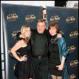 Mark Hamill avec sa femme Marilou et sa fille Chelsea à l'ouverture du Festival Jules Vernes Aventures, au Grand Rex à Paris, le 23 avril 2010 !