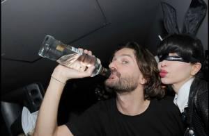 PHOTOS : Frédéric Beigbeder très bien entouré à la soirée Playboy