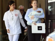 PHOTOS : première sortie pour Melissa Joan Hart et son petit Braydon