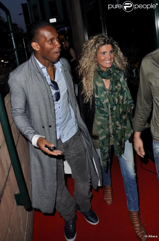 Didier Drogba et son épouse Lalla se rendent au lancement de la nouvelle collection Jada Styles, le  5 mai à Londres.