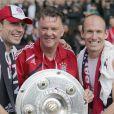 Franck Ribéry et ses compères du Bayern de Munich sont sacrés champion d'Allemagne, le samedi 8 mai.