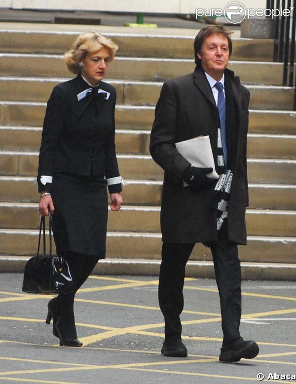 Paul McCartney va devoir verser 25 millions de livres à son ex-femme, Heather Mills.
