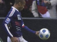 """Prêt à s'envoler pour la Coupe du Monde, Thierry Henry laissera-t-il derrière lui la """"main maudite"""" ?"""