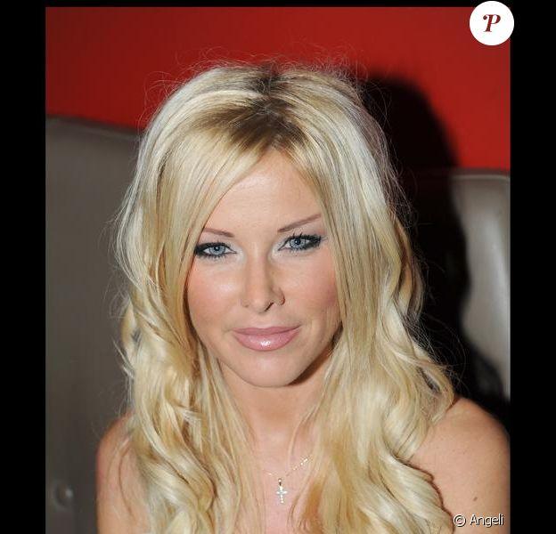 Angie (Secret Story 3) est devenue très amie avec Shauna Sand, ex-femme de Romain, son ex-petit ami.
