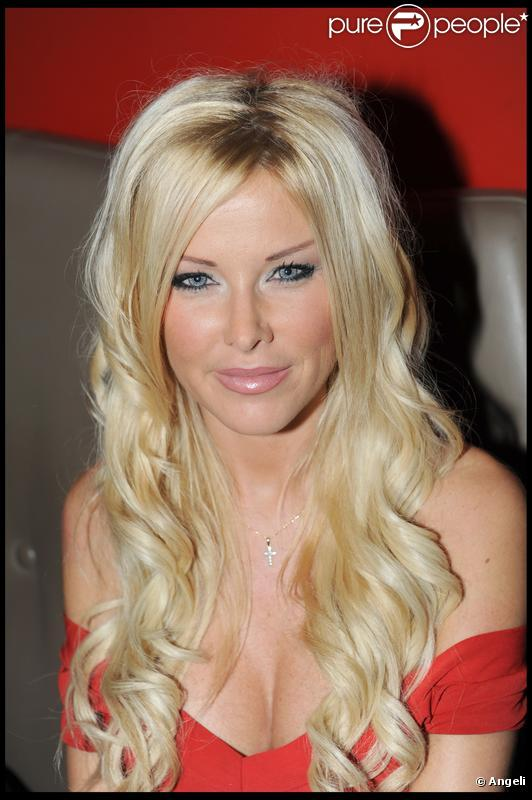 Angie ( Secret Story 3 ) est devenue très amie avec Shauna Sand, ex-femme de Romain, son ex-petit ami.