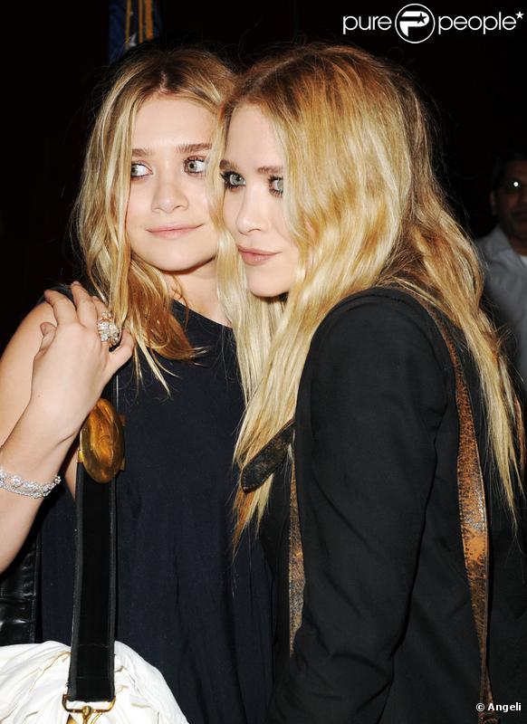 Mary-Kate et Ashley Olsen étaient les ambassadrices du gala de charité Free Arts NYC, à New York, ce vendredi 14 mai.