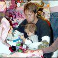 Larry Birkhead et Dannielynn, fille d'Anna Nicole smith, à Los Angeles, 25 novembre 2007