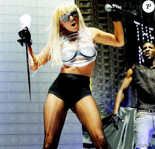 Lady GaGa programme une nouvelle date française de son Monster Ball Tour 2010, le 22 octobre prochain.