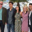 Doug Liman, Naomi Watts, Liraz Charhi, Khaled Nabawy, les scénaristes Jez et John-Henry Butterworth, et les producteurs Jerry Zucker et Bill Pohlad  lors du photocall du film Fair Game durant le festival de Cannes le 20 mai 2010
