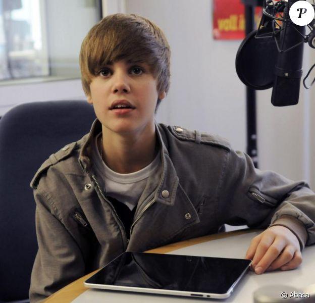 Justin Bieber est l'invité d'une radio allemande, et rencontre des fans, mercredi 20 mai à Francfort.