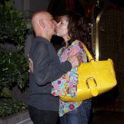 Sir Ben Kingsley : A 66 ans, il n'hésite pas à se jeter sur sa femme en plein rue !
