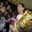 Franck Ribéry vient de remporter avec le Bayern la coupe d'Allemagne, à Berlin, le 15 mai 2010 !