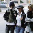 Laeticia et ses amies très inquiète arrive au Cedars Sinaï le 8 décembre 2009