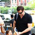 Hugh Jackman un papa qui prend le métro avec sa fille... comme tout le monde !