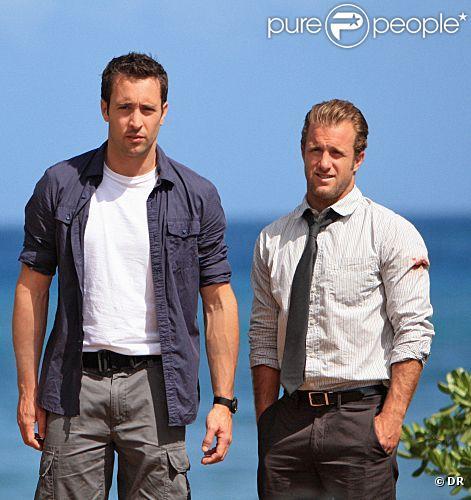 Alex O'Loughlin et Scott Caan dans le remake de  Hawaï Police d'Etat .