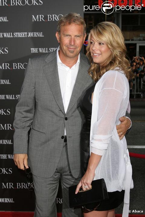 Kevin Costner et sa femme Christine Baumgartner en mai 2007