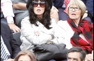 Roland-Garros 2010 - Isabelle Adjani : une supportrice discrète, non loin de Claire Chazal et la reine Sofia !