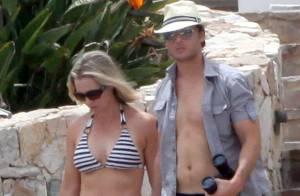 Jennie Garth et Peter Facinelli : Beaux et amoureux en maillot de bain... sous un soleil brûlant !