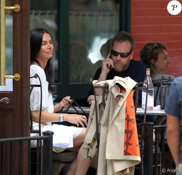 Kiefer Sutherland et sa petite amie, Siobhan Bonnouvrier, déjeune à New York, le 14 juin 2010