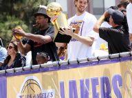 Les stars des Lakers paradent dans une ambiance de folie... et Khloe Kardashian est de la fête !