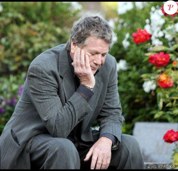 Ryan O'Neal rend hommage à Farrah Fawcett, disparue le 25 juin 2009.