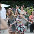 Leighton Meester et Blake Lively sur le tournage parisien de Gossip Girl, le 8 juillet 2010
