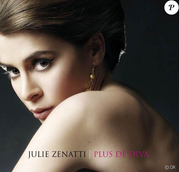 Julie Zenatti, avec son nouvel album Plus de diva, figure parmi les échecs commerciaux des ventes physiques de CDs au premier semestre 2010.