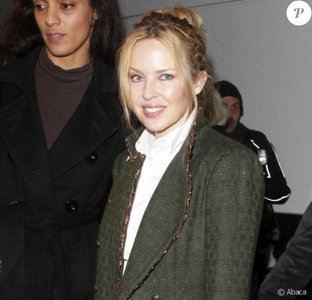 Kylie Minogue à son arrivée à l'aéroport de Melbourne le 19/07/10