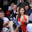 Angelina Jolie, habillée par Versace, lors de l'avant-première de Salt en Russie à Moscou le 25 juillet 2010