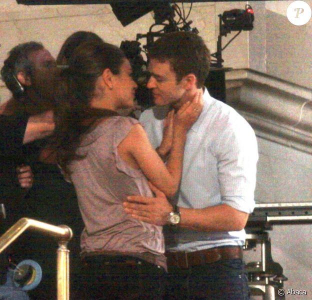 Justin Timberlake et Mila Kunis tournent une scène de baiser pour le film Friends with benefits à New York le 2 août 2010