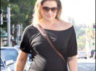 Ali Larter : Même en total look black, la future maman voit la vie en rose !