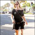Ali Larter se promène à Beverly Hills enceinte de son premier enfant le 17 août 2010