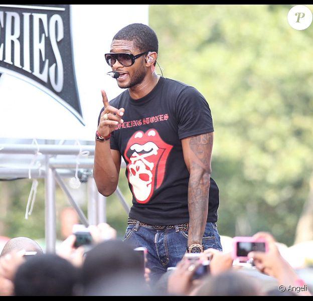 Usher se produisait, ce samedi 21 août, en live dans l'Early Show, diffusé sur CBS.