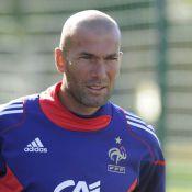 Pendant que Zidane fait mumuse avec les nouveaux Bleus, Domenech dénoncé comme la taupe de l'affaire Anelka !