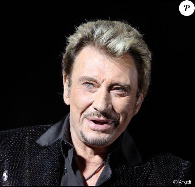 Johnny Hallyday met un terme à sa collaboration historique avec son producteur Jean-Claude Camus. En septembre 2010, Gilbert Coullier prend la relève.