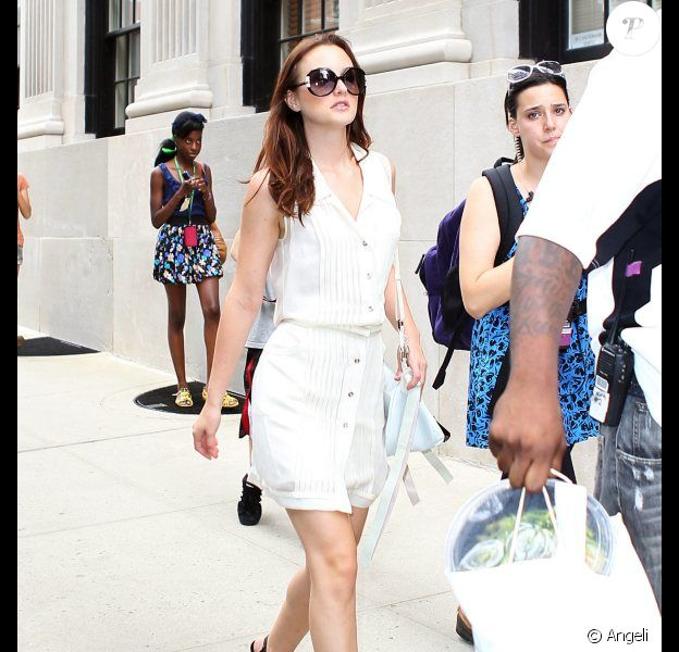 Leighton Meester sur le tournage de Gossip Girl à New York le 3 septembre 2010