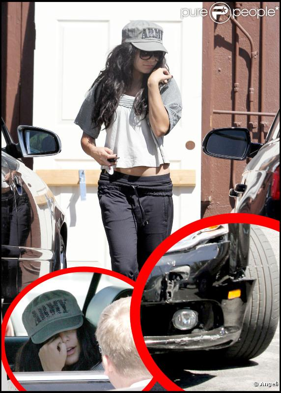 Vanessa Hudgens discute avec le propriétaire de la voiture qu'elle vient d'endommager, mercredi 1er septembre, à Studio City (Californie).