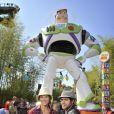 Jamel Debbouze et Mélissa Theuriau se sont rendus à Disneyland Paris  pour découvrir les nouvelles attractions de  Toy Story Playland , samedi 4  septembre.