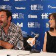 Gilles Lellouche et Marion Cotillard à l'occasion de la conférence de presse consacrée aux  Petits Mouchoirs , dans le cadre du Festival du Film de Toronto, le 12 septembre 2010.