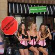 """Adriana Lima, Lily Aldridge et Candice Swanepoel, à l'occasion de la présentation du parfum """"Bombshell"""" de Victoria's Secret, à The Grove, à Los Angeles, le 14 septembre 2010."""