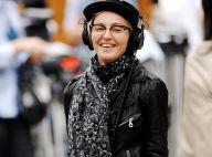 Madonna : Enfin souriante pour son dernier jour de tournage... elle se moque de son look et bosse comme une forcenée !