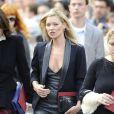 Kate Moss lors de la cérémonie privée en l'honneur de Alexander McQueen le 20 septembre à Londres