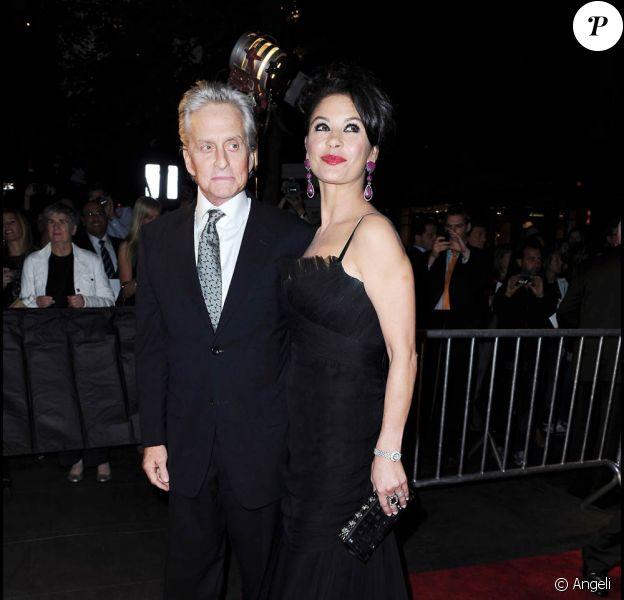 Michael Douglas et Catherine Zeta-Jones à l'occason de l'avant-première de Wall Street : l'argent ne dort jamais, au Ziegfeld Theatre de New York, le 20 septembre 2010.