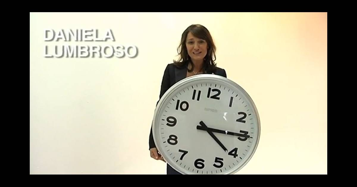 daniela lumbroso remet les pendules l 39 heure purepeople. Black Bedroom Furniture Sets. Home Design Ideas