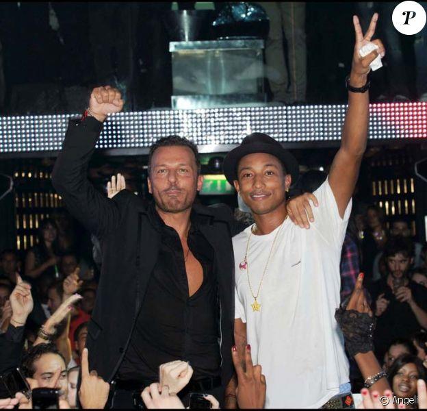 Anniversaire de Jean-Roch au VIP Room Theater, Paris, le 3 octobre 2010 : Pharrell Williams et Jean-Roch