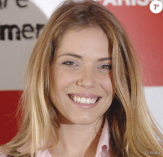 La chanteuse française Emma Daumas